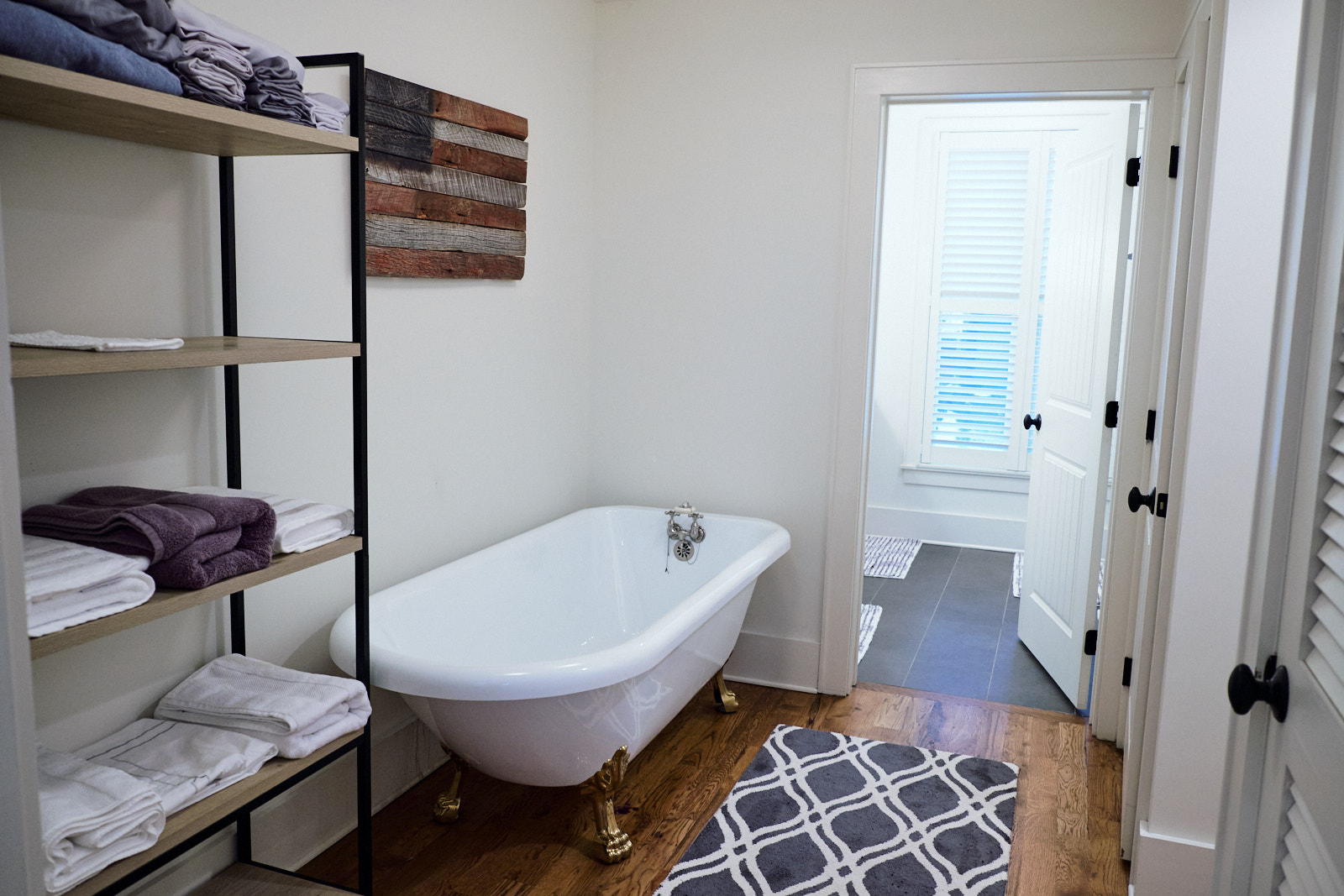 clawfoot bathtub Product Photography Knoxville